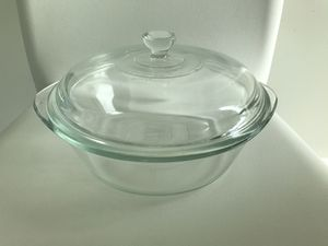 """Pyrex 9"""" Casserole Dish With Lid Glass for Sale in Coral Gables, FL"""