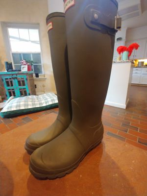 Hunter green boots size 8 for Sale in Benbrook, TX