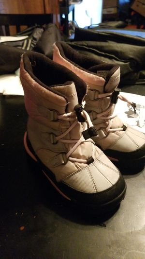 Sorely kids snow boots make an offer for Sale in San Diego, CA