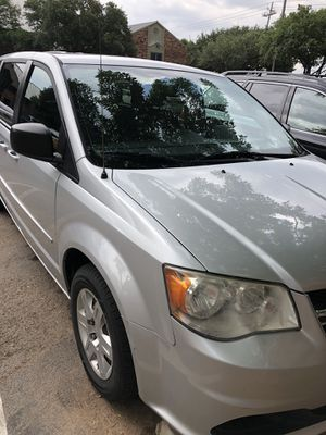 Dodge Grand Caravan clean title for Sale in Austin, TX