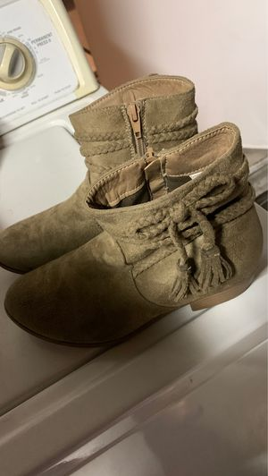 Girls size 4 boots for Sale in Ontario, CA