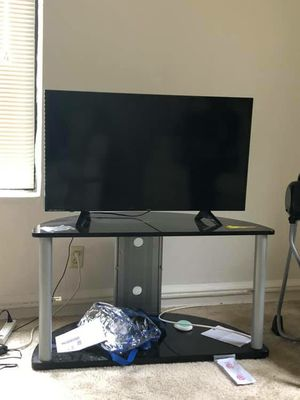 40 inch Smart Tv for Sale in St. Louis, MO
