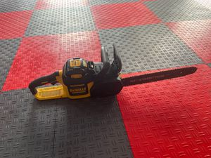 """Dreamt chainsaw DEWALT DCCS690B 40V Lithium Ion XR Brushless 16"""" Chainsaw for Sale in Tacoma, WA"""
