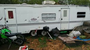 Everythi g works good tires remodeled inside w/queen bed for Sale in Topeka, KS