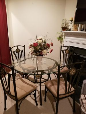 Dining table with 4 chairs for Sale in Woodbridge, VA