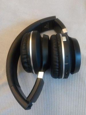 BLUETOOTH HEADPHONES WIRELESS GOOD SOUND for Sale in Escondido, CA