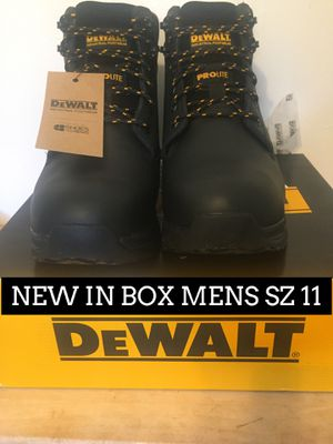 NEW IN BOX DEWALT ALUMINUM TOE BOOT SZ 11 for Sale in Chicago, IL