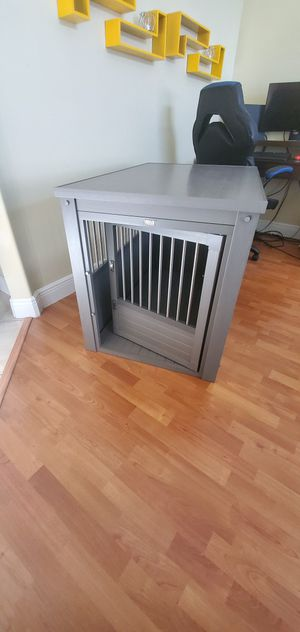 EcoFlex Dog Crate, end-table with stainless steel sprindles - Gray - XL for Sale in Port St. Lucie, FL