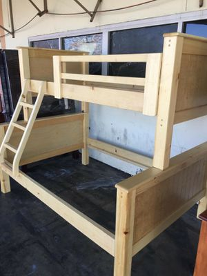 Twin-Full pinewood bunk bed frame for Sale in Montebello, CA