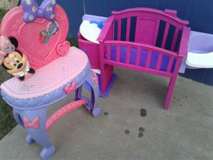 Girls kitchen and dolls bed for Sale in Fresno, CA