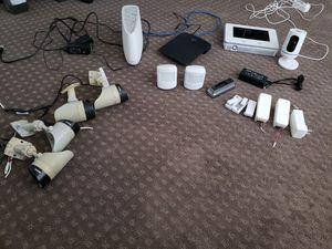 Vivint Home surveillance systems 4 outdoor cameras 1 indoor camera main home screen for Sale in Las Vegas, NV