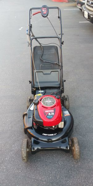 """Craftsman 21"""" Self Propelled Lawn Mower for Sale in Moreno Valley, CA"""