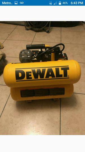 Delwalt,compressor de 4ga nuevo for Sale in Long Beach, CA