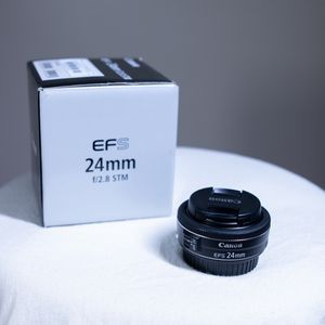 Canon EFS 24mm f/2.8 STM for Sale in Minneapolis, MN