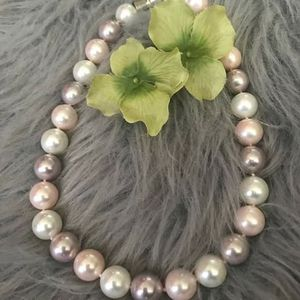 mother of pearl round cream and pink necklace for Sale in GRANT VLKRIA, FL