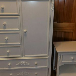 Cafe Kid Dresser Nightstand White Solid Wood Flowers 60x40x19 for Sale in Snohomish, WA