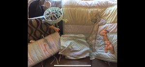 Giraffe baby bedding complete set. for Sale in Edwardsville, IL