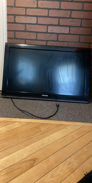 Toshiba 32 Inch Flatscreen TV for Sale in Bangor, ME