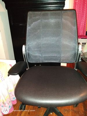 Office chair for Sale in Chelsea, MA
