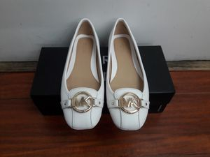 Michael Kors leather flats women's size 7.5 for Sale in Montclair, CA