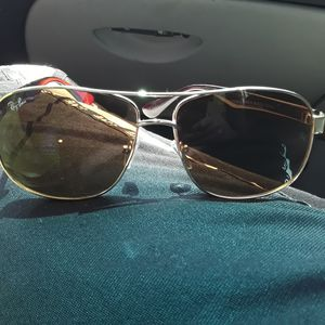 Ray Ban Men's Sunglasses for Sale in Obetz, OH