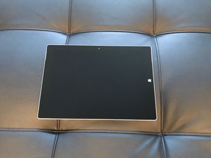 Microsoft Surface 3 64gb + LTE UNLOCKED for Sale in Lombard, IL