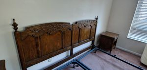 Ornate King Bedroom set 1970 for Sale in Moon, PA