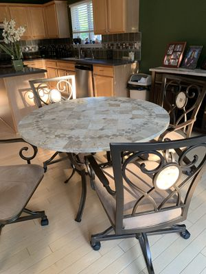 Kitchen table and chairs for Sale in Macomb, MI