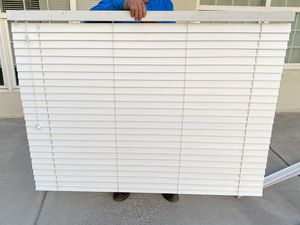 Wood blinds / persianas de madera for Sale in San Bernardino, CA