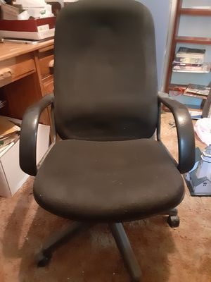 Free office chair for Sale in Redlands, CA