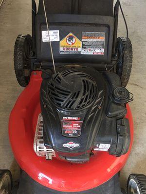 Briggs & Stratton lawn mower for Sale in Freedom, CA