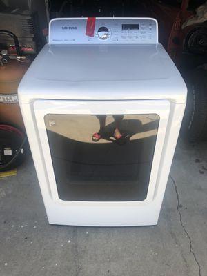 Samsung gas dryer 11 cubic feet for Sale in La Mirada, CA