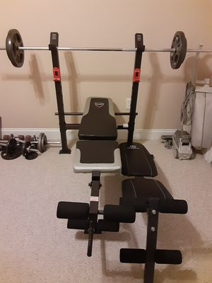 Work out equipment, 32 free weights, 6 bars for Sale in Port Allen, LA