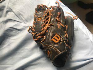 Wilson A2000 pro glove for Sale in Bensalem, PA