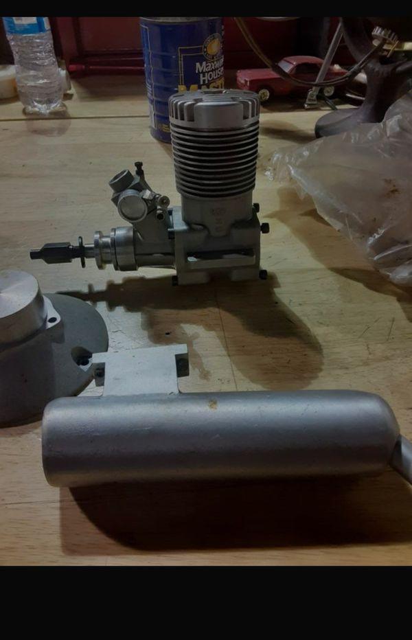 Moki M 180 (30cc) 2 Stroke Glow Engine