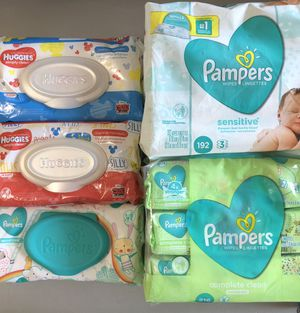Pamper or Huggies baby wipes for Sale in Lehigh Acres, FL