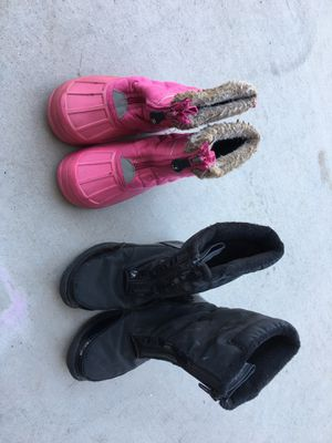 Kids snow boots $5 each or $8 both, cash only for Sale in Apache Junction, AZ
