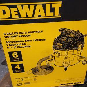DeWALT DXV06P 6 gallon Poly Wet/Dry Vac, Yellow for Sale in Metuchen, NJ