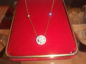 14kt yellow goldDiamond cluster pendant for Sale in Warren, MI
