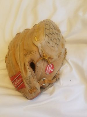 Rawlings Rbg36 softball glove/mitt for Sale in Quincy, MA