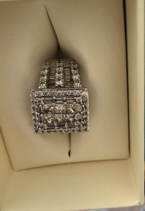 💎Beautiful Engagement/ Wedding Ring / Engagement Ring 4 karats of Diamonds 💎 for Sale in Wendell, NC