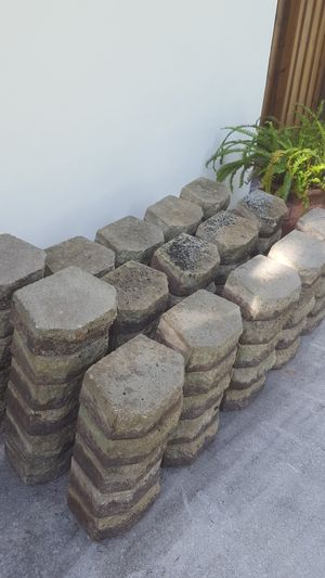 Wall pavers. ( 77 ) for Sale in Miramar, FL