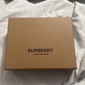 Burberry wallet Brand new. 100% Authentic for Sale in Laurel, MD