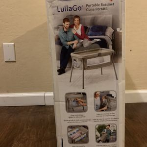 LullaGo Portable Bassinet With Carrying Case for Sale in Phoenix, AZ