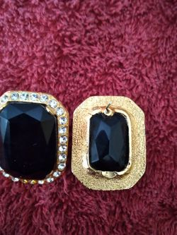 Vintage Crystal Earrings - like new for Sale in Chicago,  IL