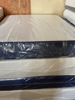 Memory Foam Queen Size for Sale in Torrance,  CA