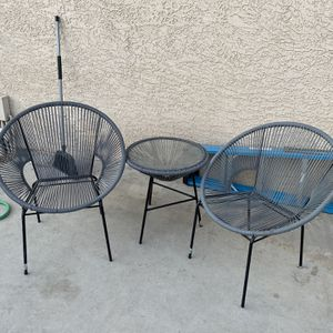 Gray Patio Chairs and table for Sale in Las Vegas, NV