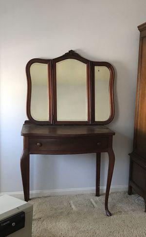 Antique cherry vanity for Sale in Woodbridge, VA