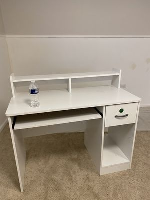 Desk with Keyboard Tray for Sale in Cleveland, OH