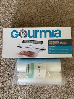 Gourmia Food Vacuum Sealer w/2 rolls 50' for Sale in Andover,  MA